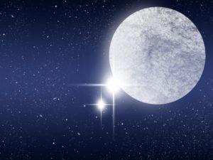 幻想的な満月